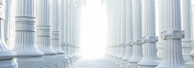 Columnas blancas