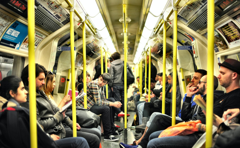 Sentados en tren